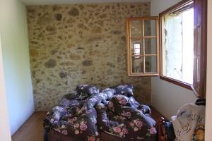 Med öppet fönster mot morgonsolen är allt förlåtet - även obekväm madrass och störd nattsömn!