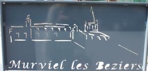 Nya fina skyltar pryder byn