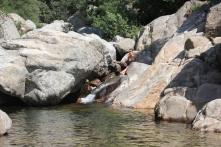 …och hon fick till och med bada i vattenfallet