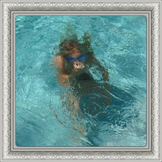 Alice lärde sig dyka idag och hennes var dagens gladaste miner!