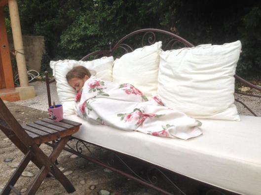 Agnes blev lite frusen och trött efter badet