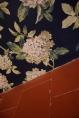 …och lika lyckat möte mellan hortensiatapet och vackert gammalt golv