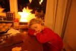 Tröttsamt med julbak, tycker lilla A