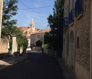 Rue Victor Gelly med slottet i fonden