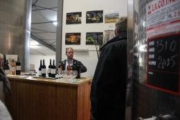 Vinbonden på Cháteau des Peyregrandes guidar oss igenom sortimentet